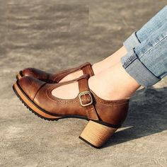 Brown Vintage Heels Mary Jane Pumps T Strap Block Heels imag.- Brown Vintage Heels Mary Jane Pumps T Strap Block Heels image 1 - Vintage Style Shoes, Vintage Outfits, Vintage Heels, Vintage Shoes Women, Retro Heels, Vintage Inspired Shoes, Vintage Fashion, Vintage Boots, Shoes Style