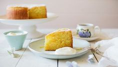 Lemon Sour Cream Cake with Greek Style Yoghurt Lemon Sour Cream Cake, Little Cakes, Cravings, Sweet Tooth, Baking, Cupcake, Greek, Recipes, Food