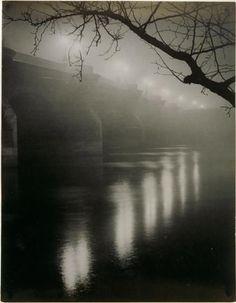 Le Pont-Neuf dans le brouillard - Brassai