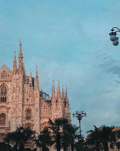 Sei la mia scelta quindi non farmi pentire  #Milano #duomo #Milan #Italy #chiaralosh . #sunset #sunrise #city #italia #instagram #instagramers #sky #love #home #life #instadaily #photooftheday #photography #photo #vsco #milangeles #goodmorning #buongiorno #igersitalia #iger #igers #igersmilano