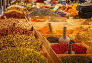 INDICKÉ KORENIE pomáha zvýrazniť jedlu chuť, dodáva mu atraktívnu vôňu a má vo svete veľmi dlhú tradíciu