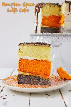 This Pumpkin Spice Latte Cake is a cake that contains fresh pumpkin, pumpkin spice and espresso powder to be the morning 'pick me up' you need on a cool, fall morning. Pumpkin Spice Cake, Pumpkin Pumpkin, Pumpkin Recipes, Easy Desserts, Dessert Recipes, Cake Recipes, Chocolate Almond Bark, Lemon Mug Cake, Canned Frosting