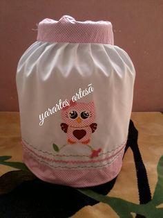 Capa de botijão de gás em patchwork. Criada pela artesã yarartes artesã  .facebook yarartes.1  whtzp 11971358795