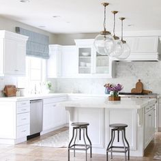 Splurge   save pendant lighting picks up on Beckiowens.com today.  Love this shot from the