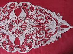 Romanian Point Lace Crochet aka Macramé Lace Crochet Crochet Motif, Irish Crochet, Crochet Lace, Crochet Hooks, Macrame Patterns, Lace Patterns, Crochet Patterns, Needle Lace, Bobbin Lace