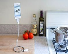 Bobine iPhone Cable Stand - $28 | The Gadget Flow