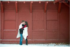 winter engagement session / LinneaLiz Photography / www.LinneaLiz.com