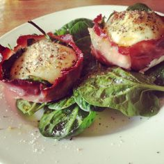 Baked Egg & Bacon Parcels. Recipe up on www.eatwelltravelfar.weebly.com! Perfect For A Sunday Morning Brunch!