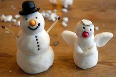 Zelf maken van twee natuurlijke ingrediënten uit je keukenkastje: SNEEUW KLEI Winter Project, Nature Table, Cute Diys, Diy For Kids, 3 D, Snowman, Christmas Ornaments, Holiday Decor, Projects