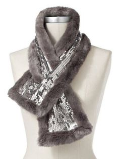 Sparkly fauxfur scarf Perfect for a hot date on a cold night Fur Fashion, Fashion Details, Winter Fashion, Fur Collars, Neck Warmer, Scarf Styles, Diy Clothes, Cold Night, Sewing