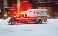 #fdny #fdnyems #ems #fdnyambulance #ambulance #paramedic #paramedics #fdnyhaztac #haztac #emergencymedicalservices #emt #advancedlifesupport #manhattan #timessquare #broadway #nyc #snowstorm #blizzard2016 #blizzard #blizzardnewyork2016 #blizzardnewyork #newyorkblizzard #jonas #rettungswagen #notfallsanitäter #notarztwagen by lka_kt_11