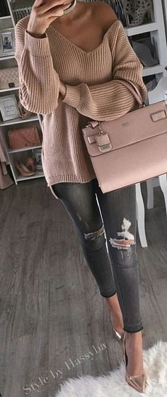 / Pink Off Shoulder Knit / Pink Leather Tote Bag / Ripped Skinny Jeans / Metallic Pumps Cozy Winter Outfits, Fall Outfits, Casual Outfits, Casual Bags, Dress Casual, Women's Casual, Look Fashion, Winter Fashion, Womens Fashion