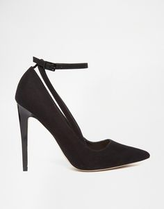 Image 2 ofASOS PLEDGE Pointed High Heels http://www.asos.com/asos/asos-pledge-pointed-high-heels/prod/pgeproduct.aspx?iid=4706764&clr=Black&SearchQuery=black+heels&pgesize=36&pge=0&totalstyles=120&gridsize=3&gridrow=7&gridcolumn=2
