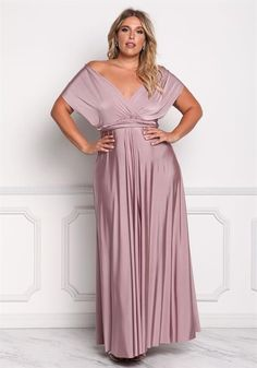 Impressive plus size dress for women to wear bridesmaid dresses plus size. Us size long dresses. Us size gowns for every plus size woman. Ere is a plus size dress that will make her look great and sexy. Plus Size Long Dresses, Big Size Dress, Bridesmaid Dresses Plus Size, The Dress, Plus Size Outfits, Plus Size Gala Dress, Plus Size Gowns Formal, Bride Dresses, Plus Size Dresses To Wear To A Wedding