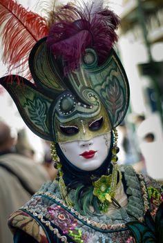 Venice Carnival Costumes, Venetian Carnival Masks, Mardi Gras Carnival, Carnival Of Venice, Costume Venitien, Venice Mask, Masks Art, Beautiful Mask, Masquerade Ball