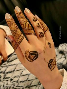 Finger Mehndi Designs Eid ul Fitr is More Motto] Latest Finger Mehndi Designs, Rose Mehndi Designs, Modern Mehndi Designs, Dulhan Mehndi Designs, Mehndi Designs For Fingers, Mehndi Design Pictures, Mehndi Images, Flower Tattoo Hand, Flower Henna