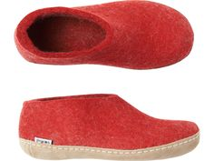 Short, bootie slipper made from warm wool felt with a stitched on calf leather sole.