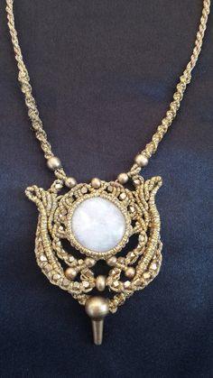 collier de perles de Pierre de lune Macrame collier par macramen