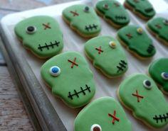 zombie cookies from Sweet Sugarbelle halloween baking ideas Zombie Cookies, Halloween Cookies, Halloween Treats, Cookie Cake Pie, Cupcake Cookies, Sugar Cookies, Cupcakes, Halloween Movie Night, Crazy Cookies