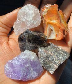 Crystal Room, Crystal Magic, Crystal Healing Stones, Quartz Crystal, Crystals And Gemstones, Stones And Crystals, Room Deco, Crystal Aesthetic, Cool Rocks