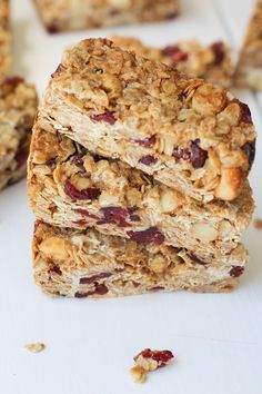 Cranberry White Chocolate Macadamia Nut Granola Bars from @TheRoastedRoot Perfect for breakfast, snacking or, even, dessert. Gluten free and oh-so-good!