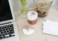 Check out these ten super simply storage DIYs for your desk and office area. Tupperware, Simply Storage, Office Supply Organization, Organization Ideas, Storage Ideas, Desk Storage, Moisturizer For Dry Skin, Diy Desk, Desk Accessories