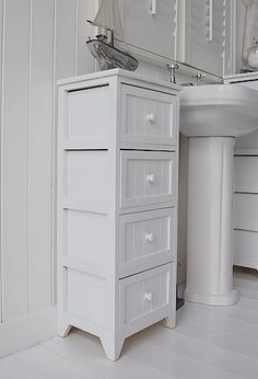 the side view to show the drawers for the Maine 4 drawer bathroom cabinet storage