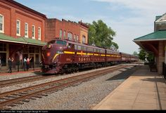 RailPictures.Net Photo: PRR 5809 Pennsylvania Railroad EMD E8(A) at Orange, Virginia by George W. Hamlin