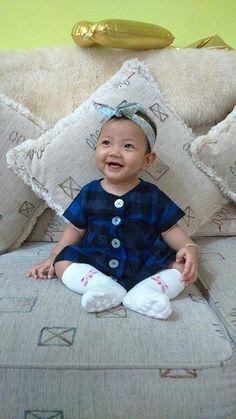 My baby girl, 6 month, di rumah omi