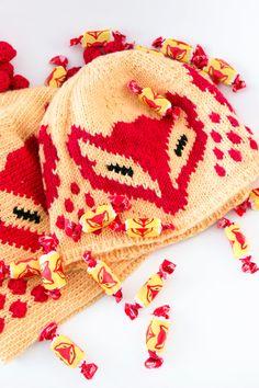 Neljänneksi Karkkineule-kilpailussa tulivat Marjan ideoimat Kettupipot. Virkkaa tai neulo, lopputulos on herkullinen! Animal Crafts, Crochet Hats, Crochet Clothes, Projects To Try, Winter Hats, Beanie, Knitting, Pattern, Diy