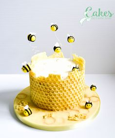 ***** Written tutorial with photographs. CN - honeybeecakechocolatebubblewraptutorialcake
