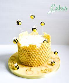 honeybeecakechocolatebubblewraptutorialcake