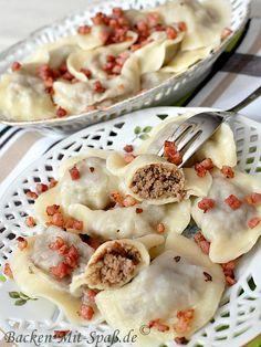 Polish Piroggen mit Fleich - Polish Dumplings with Meat