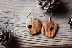 Wood earrings Ethnic earrings Chestnut wood Tribal di BottegaAmet