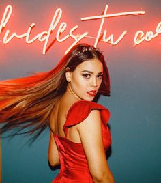 No olvides tu corazón ❤️⚡️ . Bad Girl Aesthetic, Red Aesthetic, Netflix Player, Justin Bieber, Clip Hairstyles, Poses For Photos, Best Series, Celebrity Outfits, Girl Crushes