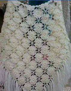 """diy_crafts-◇◆◇ crochet """"Poncho a crochet"""" Crochet Triangle Scarf, Crochet Shawl, Crochet Yarn, Crochet Flowers, Hand Crochet, Crochet Scarves, Crochet Wedding, Diy Scarf, Crochet Stitches Patterns"""