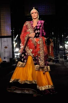 Vikram Phadnis' collection at Aamby Valley India Bridal Week 2011