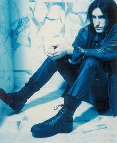 Trent Reznor, the downward spiral Pretty Hate Machine, Skinny Puppy, The Stranger Movie, Mighty Mighty, Trent Reznor, Nine Inch Nails, Siouxsie & The Banshees, Gothic Metal, A Perfect Circle