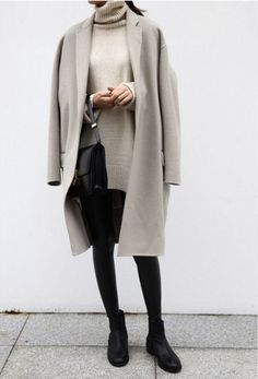 Minimal Fashion Style Tips. Minimal fashion Outfits for Women and Simple Fashion Style Inspiration. Minimalist style is probably basics when comes to style. Mode Outfits, Casual Outfits, Fashion Outfits, Womens Fashion, Vogue, Fall Winter Outfits, Autumn Winter Fashion, Look Fashion, Fashion Models