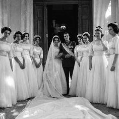 Wedding Of Princess Sophie Of Greece With Don Juan Carlos Of Spain,. Grace Kelly, Elizabeth Ii, Meghan Markle, Bridesmaid Dresses, Wedding Dresses, Greece, Spain, Statue, Prince Héritier