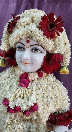 Radha Krishna Wallpaper, Radha Krishna Images, Krishna Photos, Baby Krishna, Krishna Love, Jai Shree Krishna, Radhe Krishna, Laddu Gopal, Indian Gods