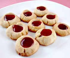 Lemon Raspberry Thumbprint Cookies - my all time favorite and one of the cookies that I bake during Christmas Raspberry Thumbprint Cookies, Raspberry Cookies, Gluten Free Bakery, Gluten Free Cookies, Shortbread Cookies, Cake Cookies, Cupcakes, Food Network Recipes, Cooking Recipes