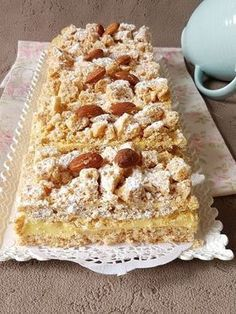 Russe Sweet Pastries, French Pastries, Sweet Recipes, Cake Recipes, Snack Recipes, Algerian Recipes, Desserts With Biscuits, My Dessert, Almond Cakes