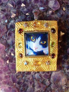 Astro cat pendant