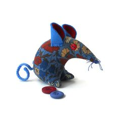 A Retro Mouse  A Vintage Mouse  THIS Mouse in Poppy by WittyDawnUK