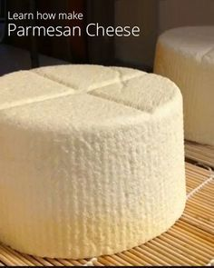 How to Make Homemade Parmesan Cheese. 6 video lessons that must be bought one of which is how to make Parmesan cheese. Butter Cheese, Milk And Cheese, How To Make Cheese, Food To Make, Making Cheese, Kefir, No Dairy Recipes, Cooking Recipes, Fromage Cheese