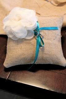 DIY WEDDING  : DIY Ring Bearer Pillow