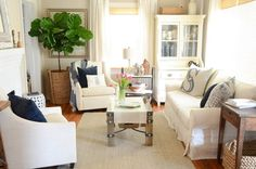 Small living room solutions for furniture placement Small Living Room Furniture, Living Room Plants, Corner Furniture, Living Room Furniture Arrangement, Small Living Rooms, Living Room Designs, Living Room Decor, House Plants, Arrange Furniture