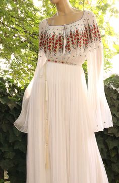 Traditional Wedding Dresses, Diy Clothing, Dream Dress, Fashion Outfits, Womens Fashion, Party Wear, Summer Outfits, Gowns, Kurtis