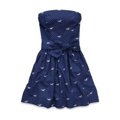I absolutely love this dress from Hollister!